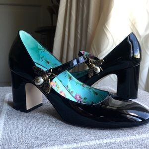 GUCCI Black Lois Bee Mary-Jane Pumps size 36.5